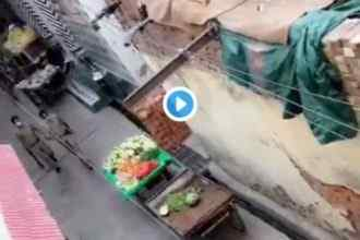 shameful act of UP police caught in camera amid lockdown Video viral
